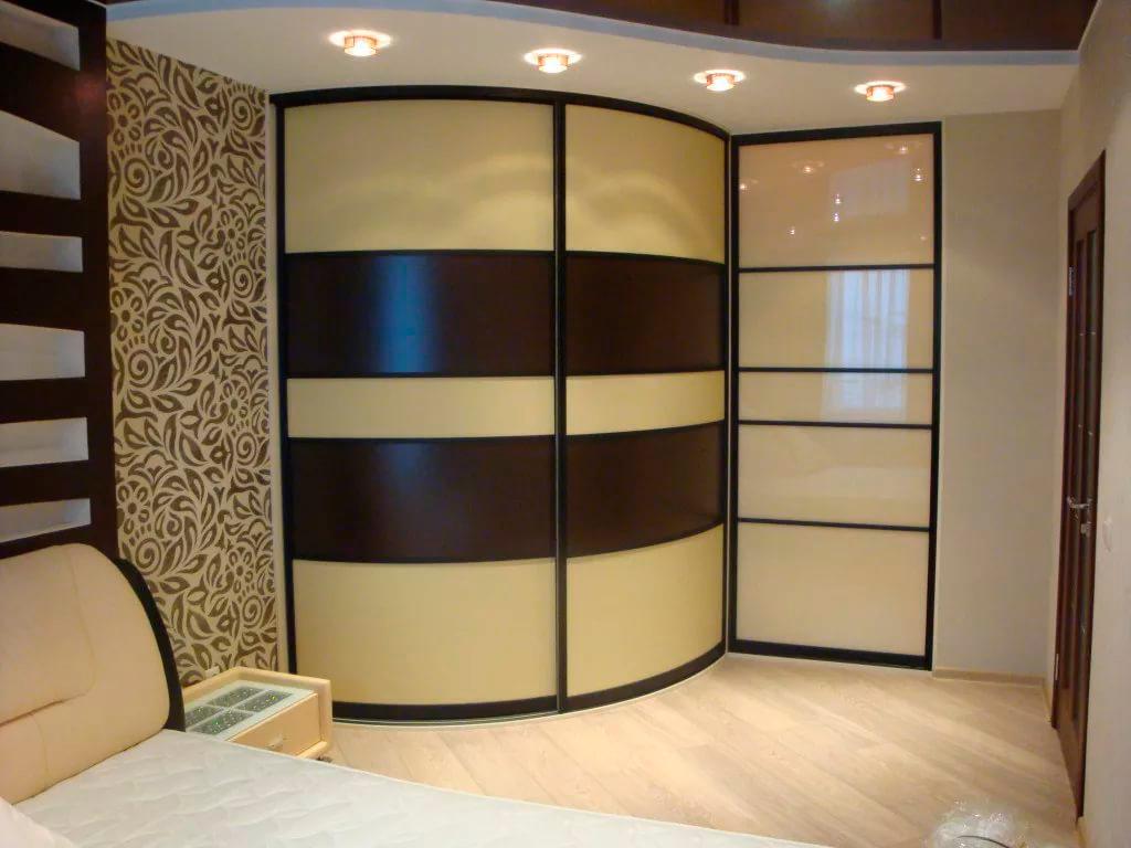 шкафы-купе угловые картинки отеля большая
